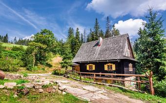 Wschronisku PTTK napolanie Przysłop pod Baranią Górą mieści się Muzeum Turystyki wBeskidzie Śląskim