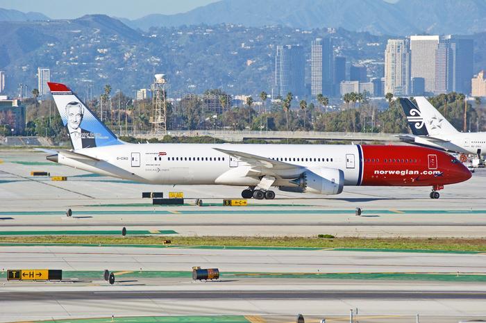 Samolot linii Norwegian na lotnisku w Los Angeles