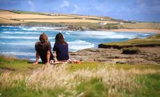 Para na plaży w Kornwalii