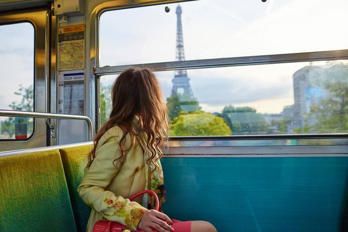 Turystka w Paryżu