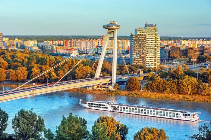 Most i restauracja Ufo