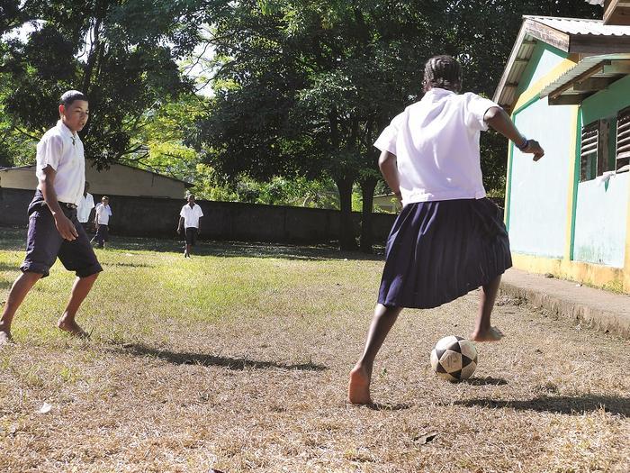 Długa przerwa w szkole w Guadelupe
