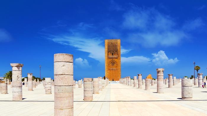 Wieża Hassana i kolumny pozostałe po meczecie Hassana