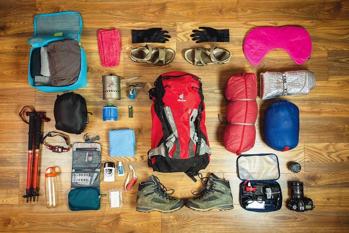 Zestaw na tydzień w góry. Kontroli bezpieczeństwa nie przeszedłby jednak gaz, a być może także kije trekkingowe