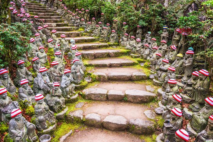 Droga do świątyni Daisho-in na wyspie Miyajima
