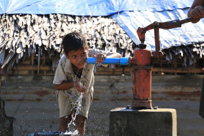 Chłopiec w Sittwe (Arakan, Birma)