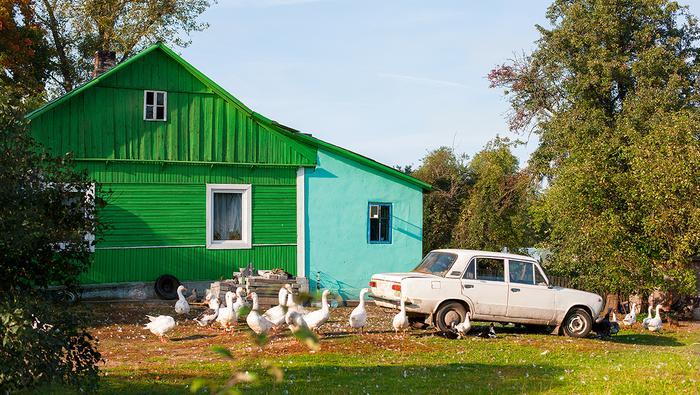 W obwodzie grodzieńskim można zobaczyć sporo drewnianych gospodarstw