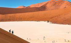 Dead Vlei to najsłynniejsza z dolin pustyni Namib
