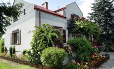 W urokliwej serialowej Grabinie znajduje się dom Mostowiaków
