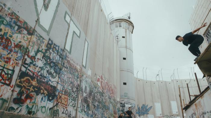 """Przeskoczyć mur/Hurdle"", reż. Michael Rowley"