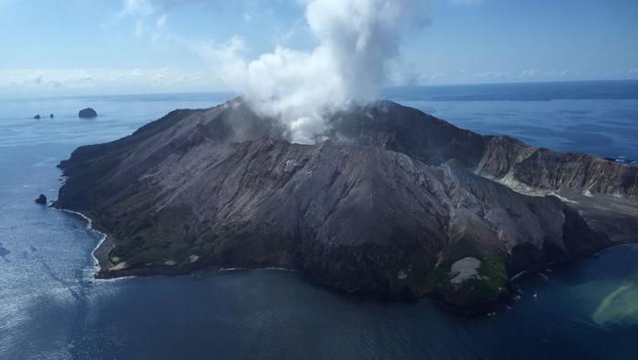 Wybuch wulkanu na nowozelandzkiej wyspie White