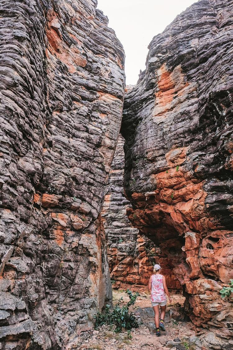"""Wśród """"wieżowców"""" Zaginionego Miasta, w Caranbirni Conservation Reserve, Terytorium Północne"""