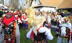 Bronowice. Uroczystość osadzenia chochoła w Rydlówce