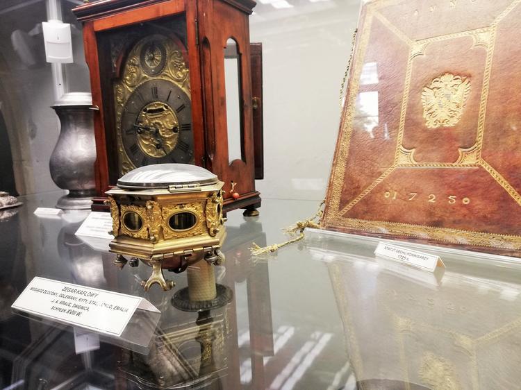 Muzeum Dawnego Kupiectwa. Zegar kaflowy