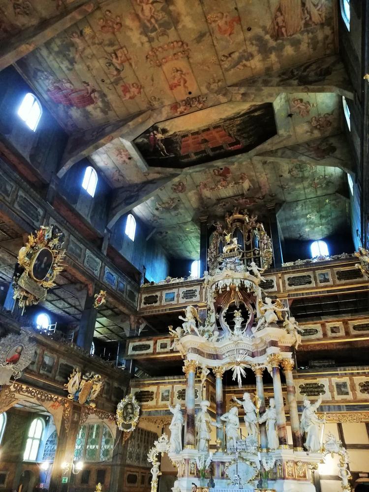 Wnętrze Kościoła Pokoju