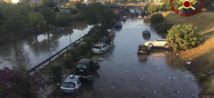 Palermo. Po gwałtownej ulewie, stolica Sycylii pod wodą