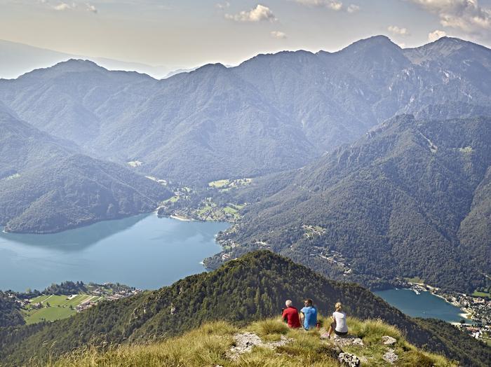 Trentino. Jezioro Ledro - spacer wokoł jeziora jest możliwy przez cały rok!
