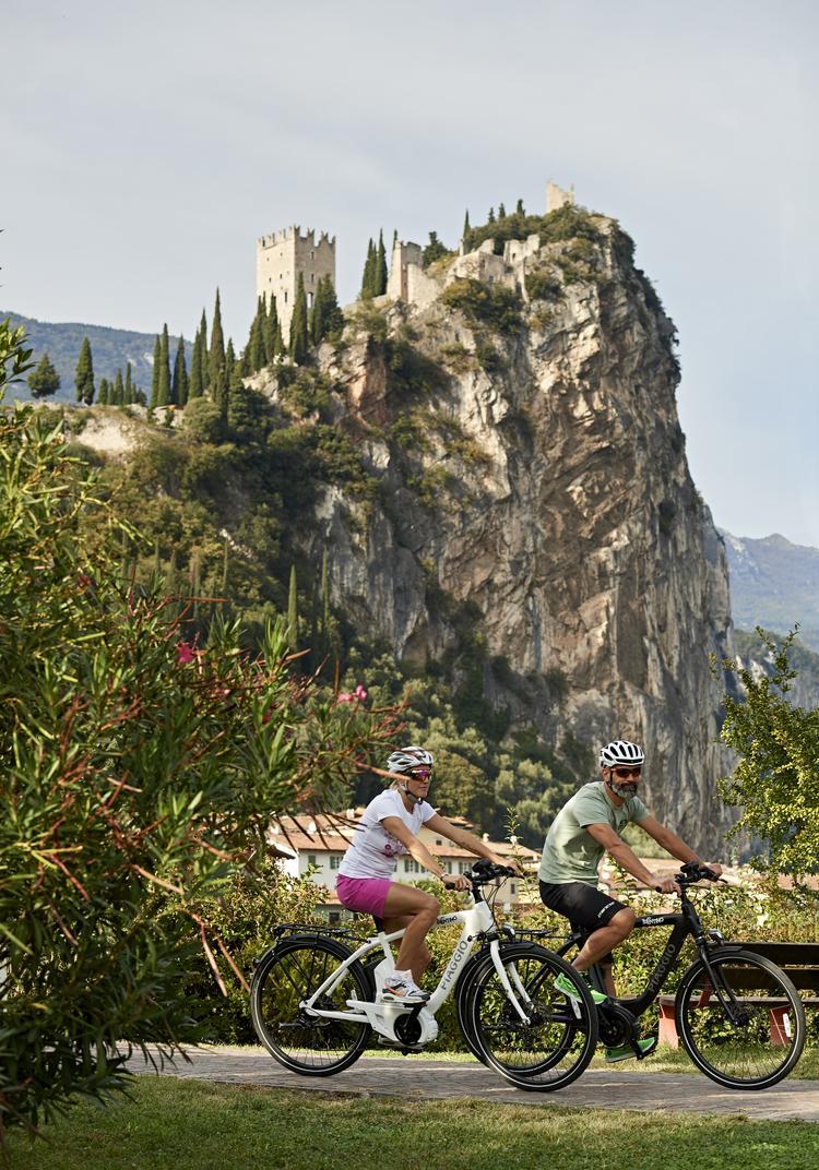 Ścieżka rowerowa Sarca - Arco w Dolomitach