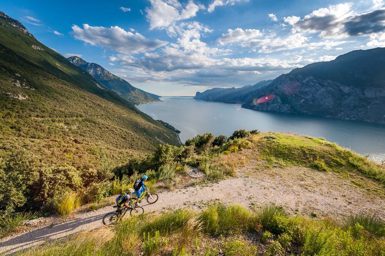 Trentino. Jezioro Garda trasa DoGa