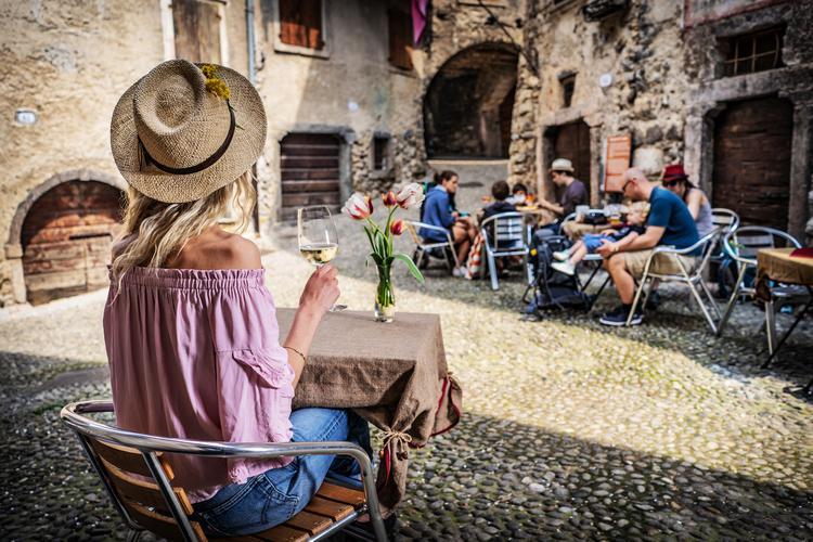 Canale di Tenno - urokliwe średniowieczne miasteczko w Trentino, znajduje się niedaleko jeziora Garda