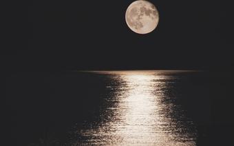 Pełnia Truskawkowego Księżyca/ zdjęcie poglądowe