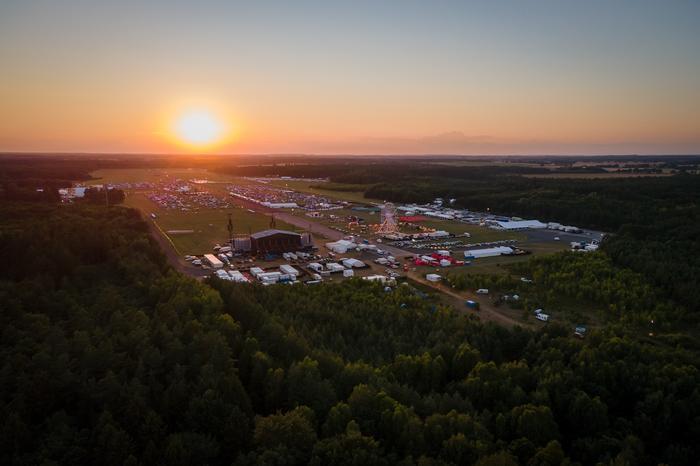 Pol'and'Rock na lotnisku Makowice- Płoty. Co zobaczyć przy okazji najpiękniejszego festiwalu świata?