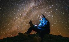 Spektakularne zdjęcie Drogi Mlecznej przy niezwykłym wsparciu