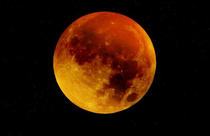 Pełnia Księżyca Myśliwych 2021. Kiedy jest pełnia w październiku i gdzie oglądać w Polsce?